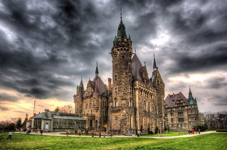 Atrakcje Opolszczyzny w Polsce - zamek w Mosznej
