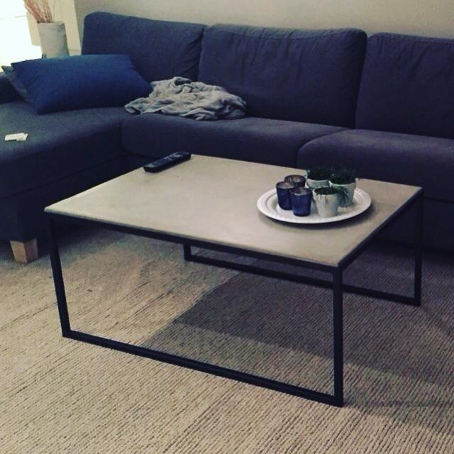 Nytt sofabord - betong og stål - håndlaget av oss!