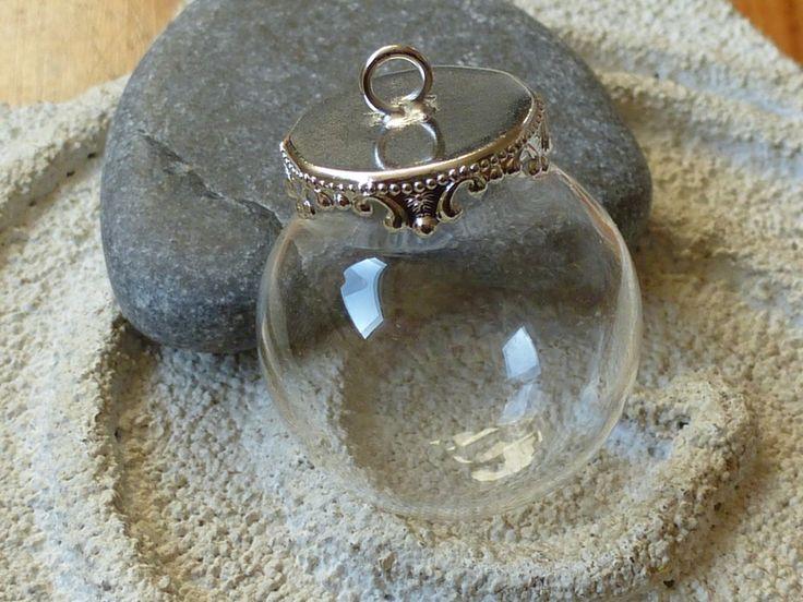 1 Glaskugel zum befüllen, 26x25mm, Hohlkugel von Perlita auf DaWanda.com