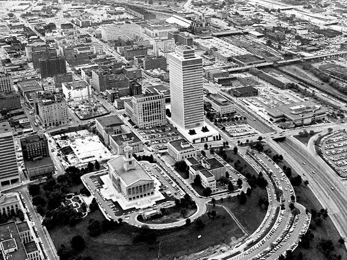 The Construction Of Legislative Plaza Behind State Capitol Is Continuing On A Nice Fall Nashville Tennesseethe
