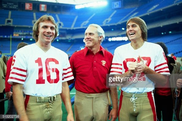 News Photo : Coach Bill Walsh of San Francisco Forty-Niners...