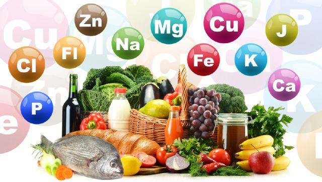 Mineralstoffe und Spurenelemente - Der Körper braucht Mineralstoffe für verschiedenste Stoffewechselvorgänge und Prozesse. Während die Mengenelemente wie Kalium oder Kalzium in höheren Dosen notwendig sind, genügt bei den Spurenelementen wie Zink, Jod oder Selen eine kleinere Portion