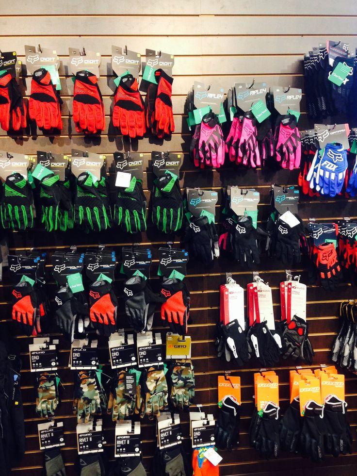 Men's and Women's #Fox biking gloves!