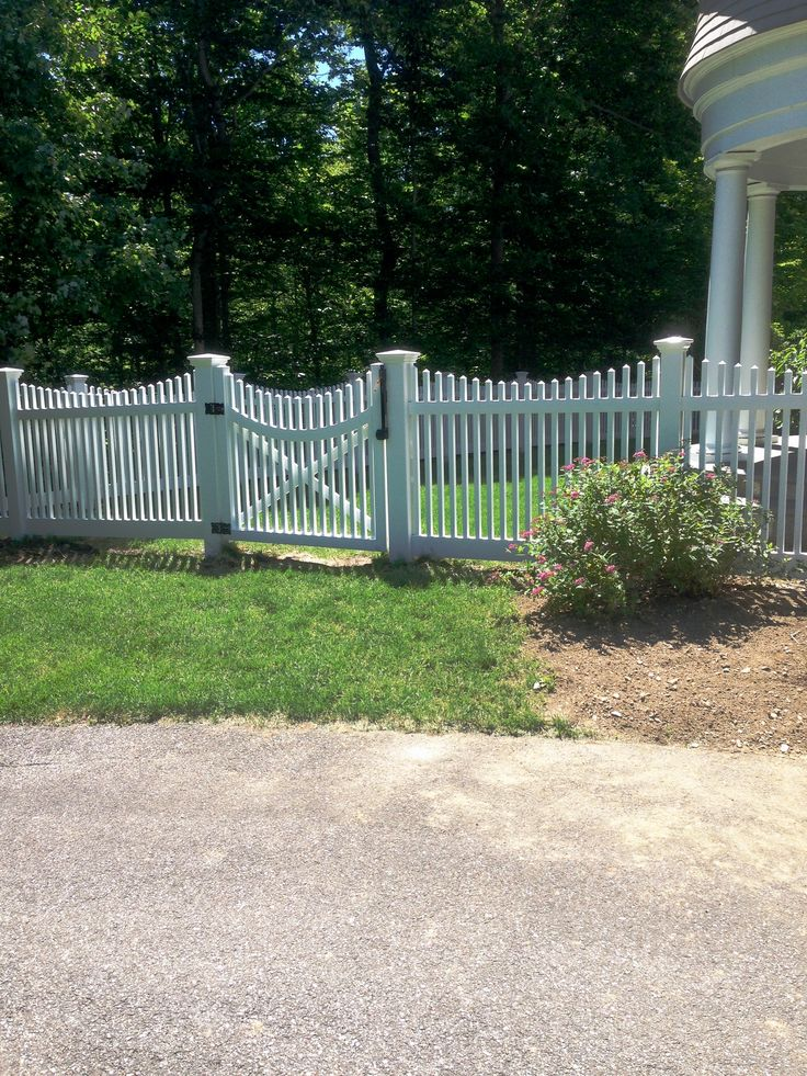 1000 Ideas About Vinyl Picket Fence On Pinterest Chain