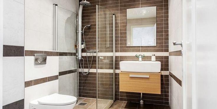 Kicsi és modern fürdőszoba zuhanyfülkével