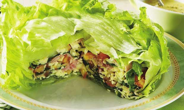 Receita de Salada em camadas - Salada - Dificuldade: Fácil - Calorias: 434 por porção