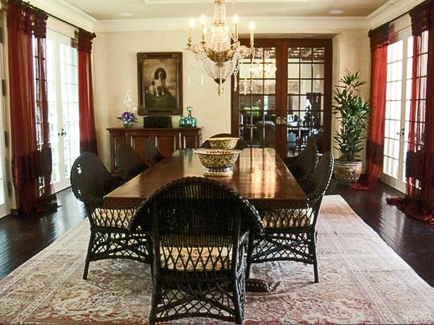 WICKER CHAIRS PART OF DINING ROOM CHARM