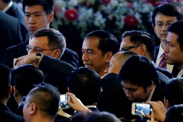 Presiden Jokowi Jadi Rebutan Selfie Delegasi APEC