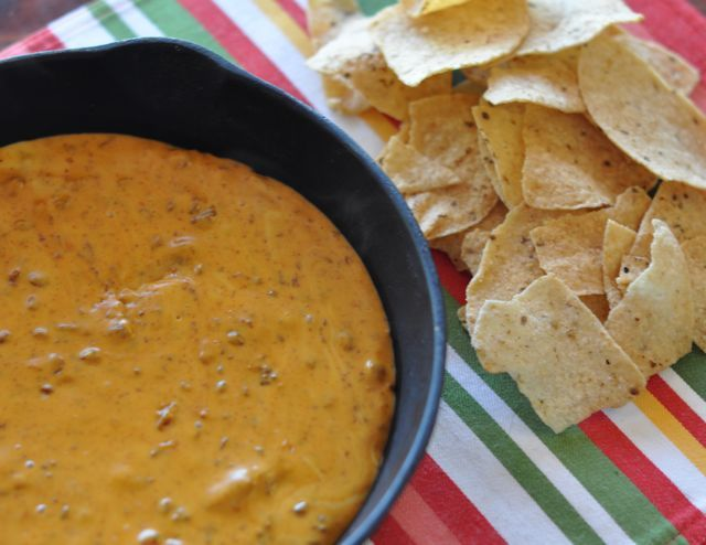 chili's queso recipe  Ingredients  1 2 lb block Kraft Velveeta Cheese  2 Cans Hormel no-bean Chili    Heat together in a crock pot for a few hours or until melted. For the most accurate texture mix sauce in a blender. Serve with heated corn tortilla chips.