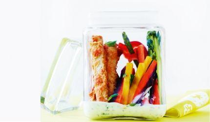 Opskrift: Salat to-go med tofusticks   I FORM