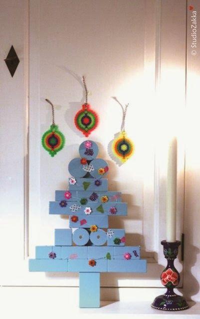 Christmas tree DIY from recycled wooden blocks & a perler beads christmas ornaments DIY by StudioZakka...