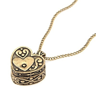 Heart musicbox necklace -- Anastasia