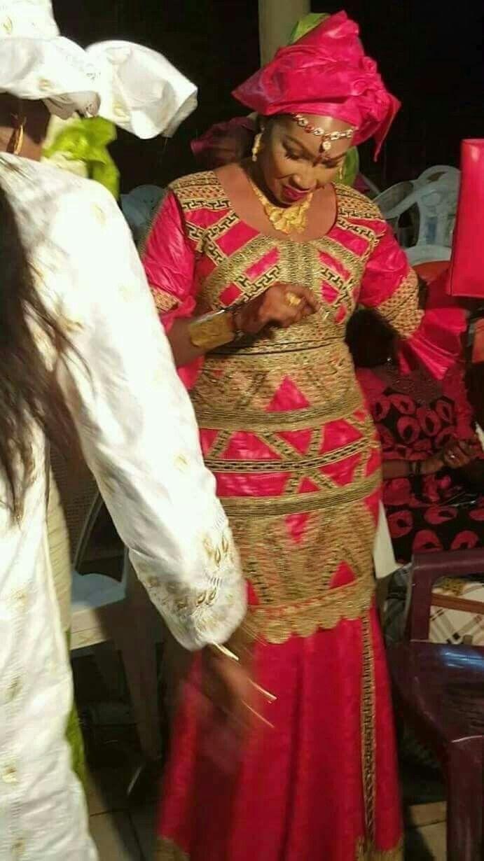 Malian Fashion bazin #Malifashion #bazin #malianmussorowomenarebeautiful #dimancheabamako # #malianwedding #bazinriche #brodé #brocade #teinture #gala