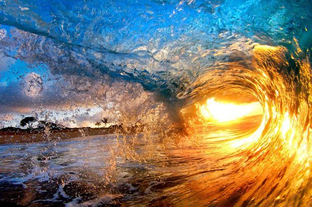 Hawaii wave pictures in magical colors. Can't wait to get there!