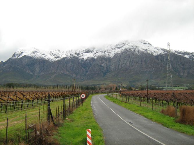 – Snow in Worcester (Thanks to Pam from Cape Rose Cottage in Camps Bay