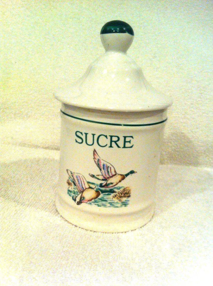 Boite à sucre (sucrier) et/ou Boite à farine Vintage French céramique par SafaliaRCG sur Etsy