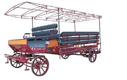 HANDY 170  Pour 1 ou 2 chevaux de trait , largeur de voie 1m 70 , largeur et longueur totale 1, 90 x 4.60 m, poids 780 kg.  Rampes fauteuils roulants,  4 freins à  disque, timon suspendu amorti, grand coffre sous les siéges avant, large banquette avant réglable en longueur, frein de parking  hydraulique, marchepieds avant et arrière, roues à pneumatique ou à bandage de 67/67 cm,grâce aux rampes télescopiques de 3 mètres le chargement  des fauteuils roulants  24 personnes ou 35 enfants