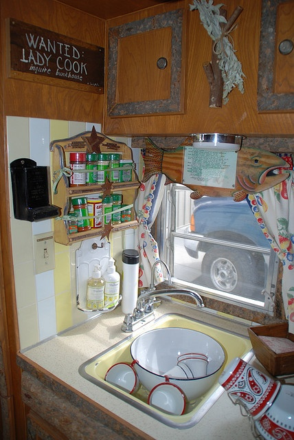 Vintage camper trailers pinterest for Caravan kitchen storage ideas
