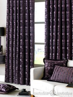 I love the curtains.