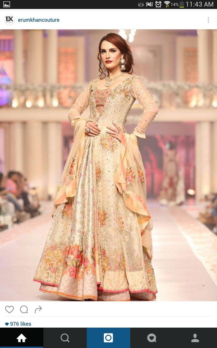 Wunderbar Brautkleid Indischen Stil Galerie - Hochzeit Kleid Stile ...
