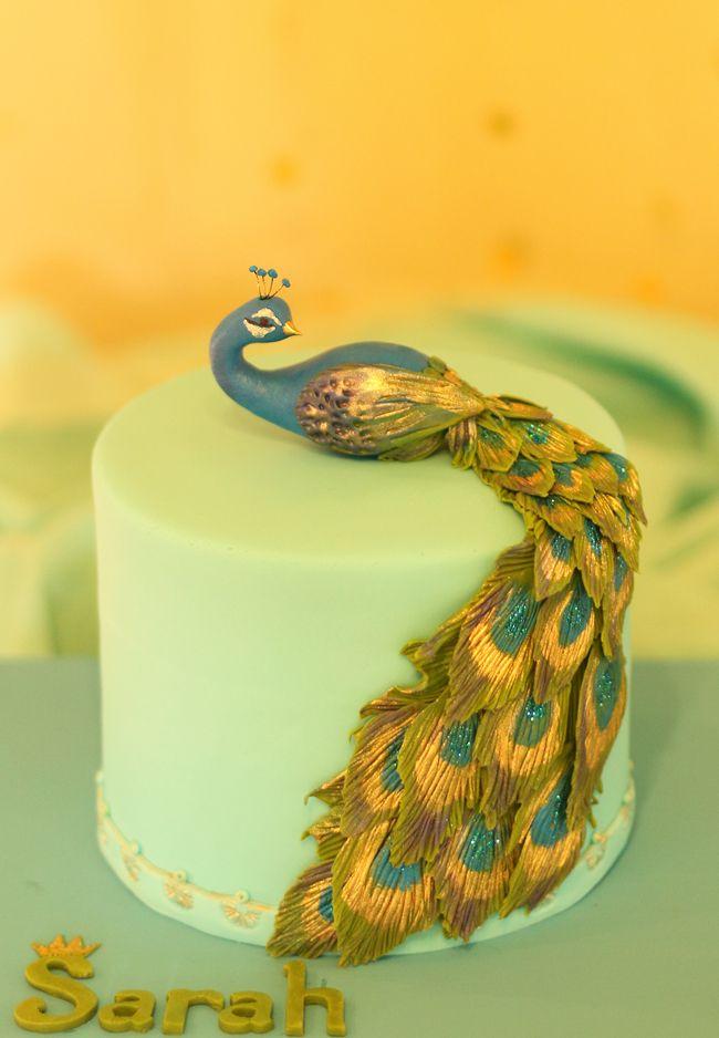 Gorgeous peacock Cake / Grace Cakery