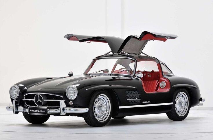 Verdens smukkeste bil er også jordens mest elegante. Det naturligvis mågevingen, Mercedes-Benz SL 300 og den er snart 60 år gammel, men den holder sig lige så godt som en god Armagnac.