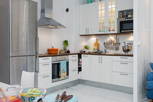 white-decorating-small-apartments-scandinavian-homes-2