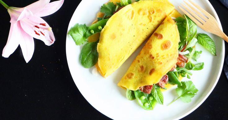 Vietnamesiska pannkakor fyllda med sött fläsk och sallad @ Foodfolder.se