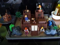 Château fort Playmobil en gâteaux. - Poupette et Lulubelle