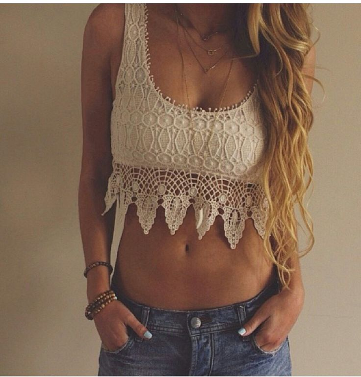 This boho style crochet crop top put together with a pair of low rise jean shorts.  Perfect for this summer. #croptops #crochet #bohemianstyle #bohostyle #pinkice
