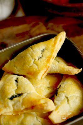 Pasteizinhos de espinafre e mozzarella (deliciosos também com massa folhada)