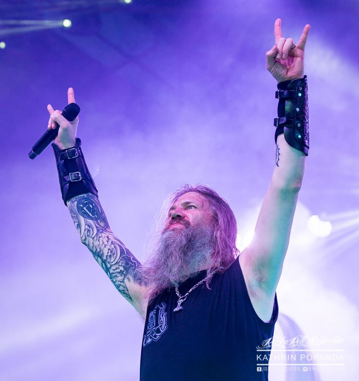 Johan Hegg  (Amon Amarth on stage in Köln, 25 March 2017, © Kathrin Popanda)
