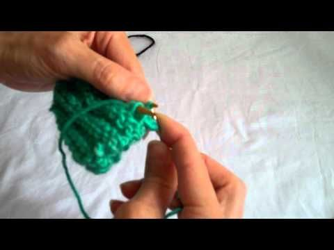 How To Graft Knitting Stitches Together : The Kitchener Stitch - Grafting (Knitting with Worldknits) - YouTube Knitti...