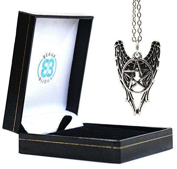 """Beaux Bijoux - Collana ispirata a """"Supernatural"""", con ciondolo a forma di ali d'angelo e stella a cinque punte (pentacolo), in argento, prodotto fornito all'interno di un elegante cofanetto in velluto"""