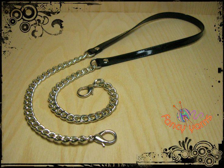 Tracolla in ecopelle nera e catena argento, cm.85 di Fancy yarns su DaWanda.com