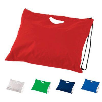 SPORTY BAG EN PET REF:DIV-353 Tula en Pet. Cordón para Cerrar y Cargar. Tipo de Producto: IMPORTADO. Medidas: 38.4 cm largo x 43.8 cm ancho. Área de Marca: 10 cm ancho. Técnica de Marca: Screen. Colores Disponibles: Negro, Azul Rey, Azul Oscuro, Rojo, Blanco y Verde.