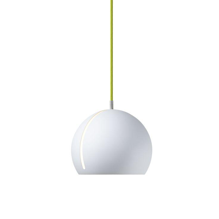 Superb Tilt Globe Pendelleuchte wei uszlig gr uuumln Jetzt bestellen unter https moebel ladendirekt de lampen deckenleuchten pendelleuchten uid udda b