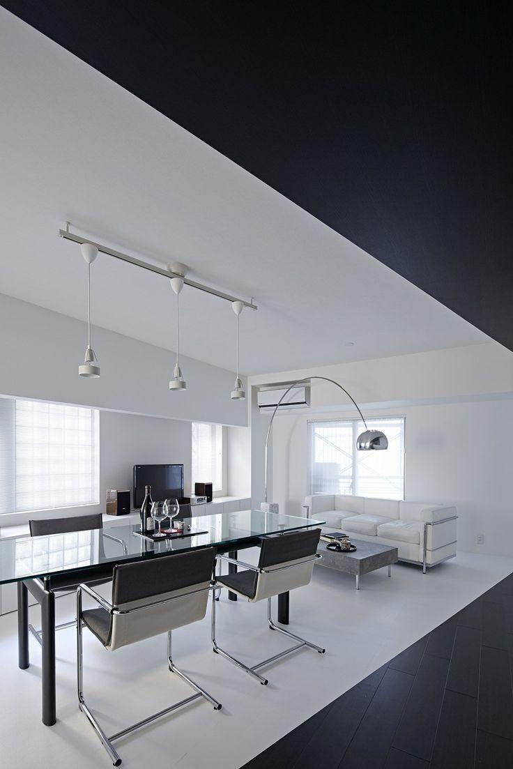 Schwarze Und Weiße Wohnung Design In Tokio Zeitgenössische Innenarchitektur