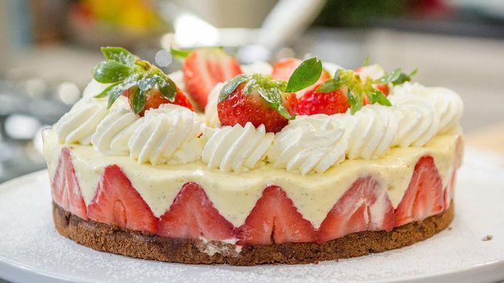 Goed Weekend met Laura Tesoro: chocoladebiscuit met mascarponemousse en aardbeien | VTM Koken