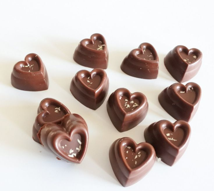 Vegan Chocolate Gift Organic Vanilla Box Personalised Chocolate, Birthday Gift, perfect for wedding favours by LaviniaWilsonsChoc on Etsy https://www.etsy.com/uk/listing/489073280/vegan-chocolate-gift-organic-vanilla-box