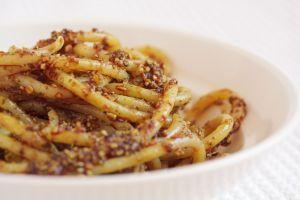 špagety s pestem