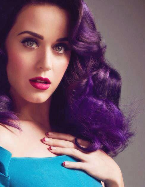 Katy Perry W/statement purple hair!