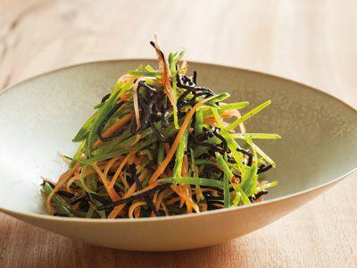 ひじきとせん切り野菜のサラダ レシピ 有元 葉子さん|にんじん、絹さやのシャキシャキの歯ざわりと香り、美しい彩りが、ひじきの存在感を引き立てます。にんにく風味のひじきが絶品ですよ。