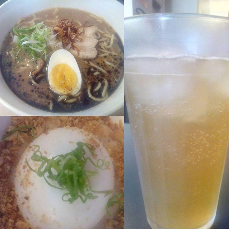 #comida #almoco #restaurante #asiatico #gourmet #ovo #gema #mole #misso #crocante #amendoim #ramen #macarrao #massa #caldo #porco #frango #shoyu #barriga #alho #assado #cebola #caramelizada #cebolinha #ginger #ale #refrigerante #gengibre #XinGourmet #JuiRestaurante  Ovo com gema mole, creme de missô e crocante de amendoim. Rámen (macarrão com caldo de porco, frango e shoyu, barriga de porco, alho assado, cebola caramelizada, ovo e cebolinha) - R$35 Ginger Ale (refrigerante de gengibre)…