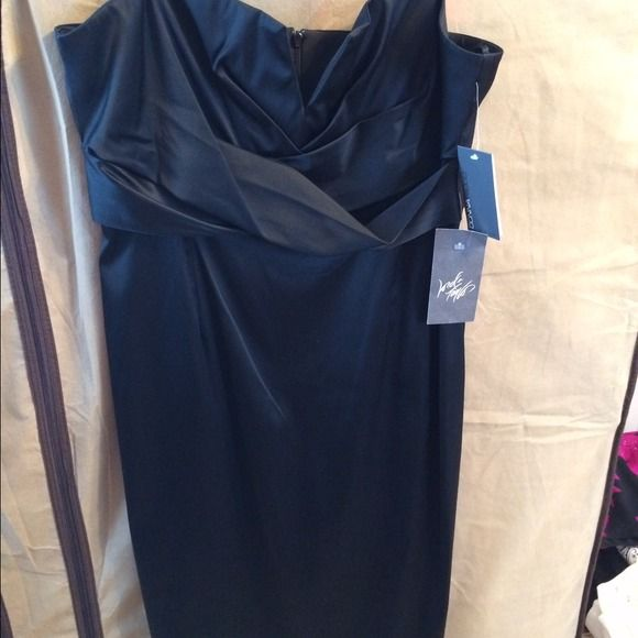 Donna Ricco Black Formal Tank Dress Size 14 Donna Ricco Black Formal Dress. Adjustable Spaghetti Straps. Size 14 BRAND NEW WITH TAGS! Purchased at Lord and Taylor. Boning in bust, pleated and V-cutout in the bust. Dress never properly fit my bust so I never wore it. Original Price was $160 Donna Ricco Dresses