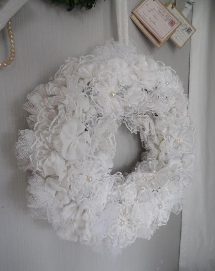 Traumhafter Kranz UNIKAT...aus selbstgemachten Blüten...Perlen...Tüll... Ein Traum zu jeder Shabby chic Deko...