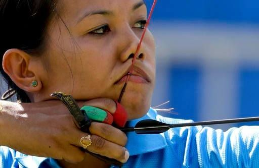 #Rio2016 #Archery : #BombaylaDevi crashes out of #Olympics. Loses pre-QF to Mexico's Alejandra Valencia 6-2.