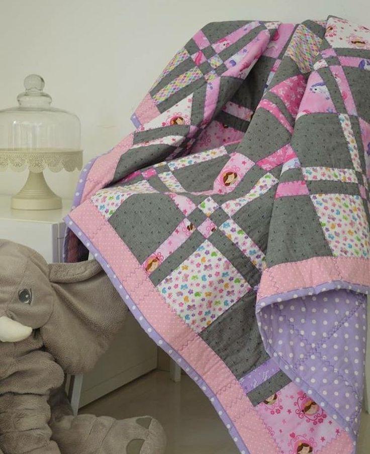 Babyquilt crib size 💕🎀💞#mydubai #quilting #pattern #quilt #cribbedding #babygirl #crafting #dubaicraft #dubai # #pinkandgrey #quilting #patchworkquilt  #scrappyquilts #mydubai #quilters #pattern #stitching  #quiltmarket #miniquilt #patterns #fabric  #quiltshop #msqcshowandtell #patchwork #quilttop #quiltmarket #quiltingfabric #dubaiquilter #dubailife  #ilovequilting #elephant #disappearing4patch