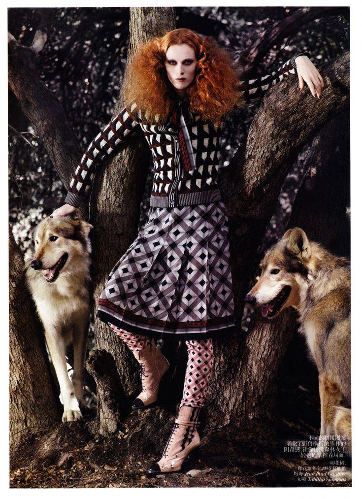 Karen Elson by Mark Segal for Vogue China November 2011(via fashiongonerogue.com)