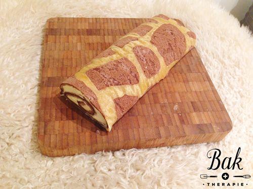 Baktherapie.nl - Recept voor het bakken van een swiss roll cakerol met giraffe print, gevuld met zwitserse room.